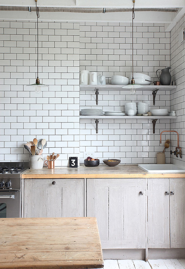 Six ideas for kitchen splashbacks these four walls for Metro tiles kitchen ideas