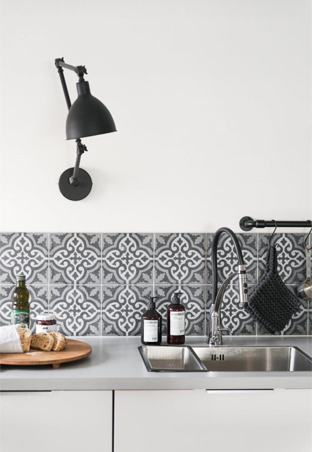 patterned kitchen wall tiles six ideas for kitchen splashbacks these four walls 4107