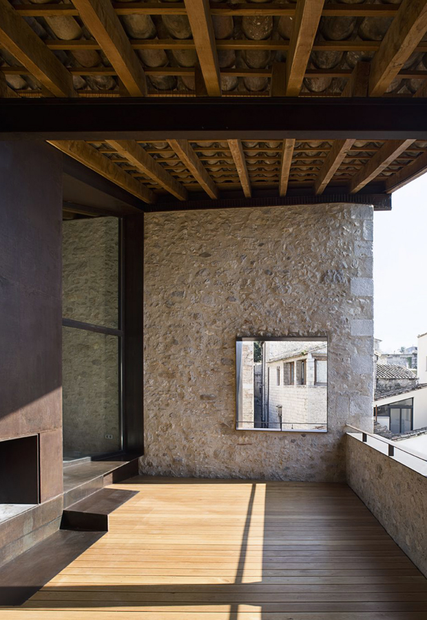 Home Tour Ancient Meets Modern In Girona These Four Walls